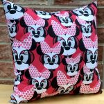 minnie-mouse-pillow